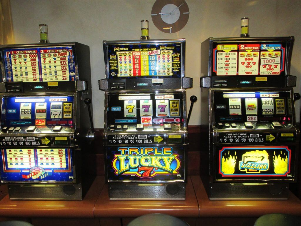 easiest games to win casino